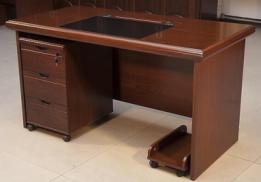 办公桌.png