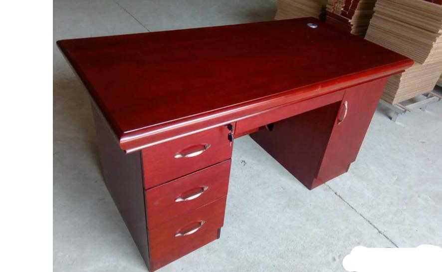 木质办公桌.jpg