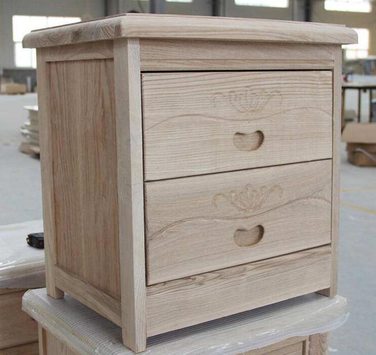木质床头柜